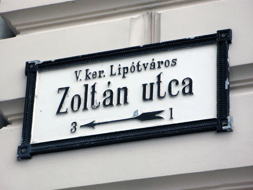 zoltan utca