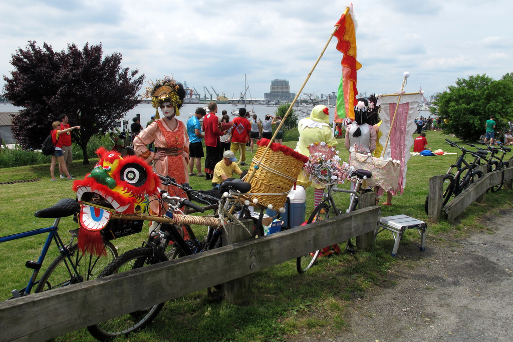 Lots of bike mods and themed bike crews.