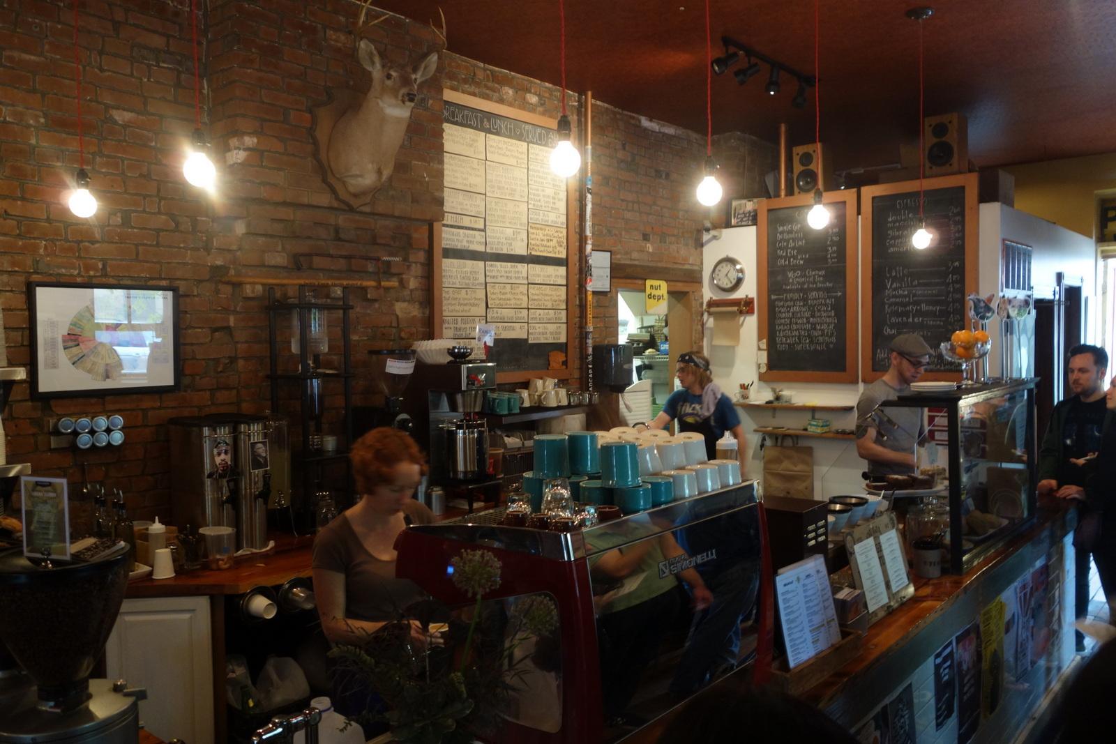 The Mud House coffee & kitchen, est. 2008